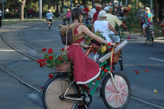 Virágba borult bringavilág