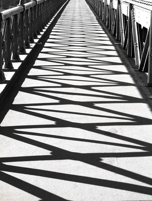 hunszabi: Árnyak hídján