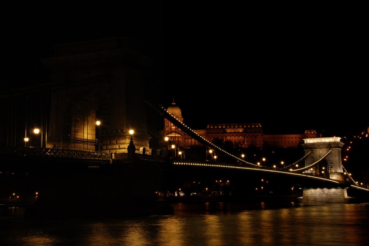 Budapest, 00:02