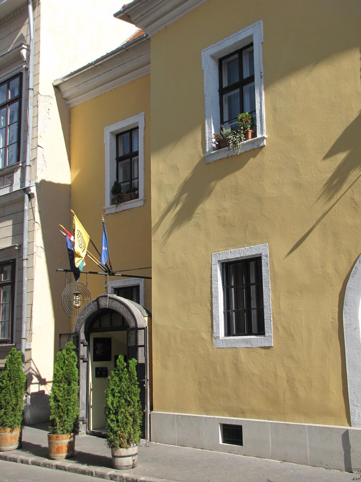 Magyarország, a budai Várnegyed, SzG3