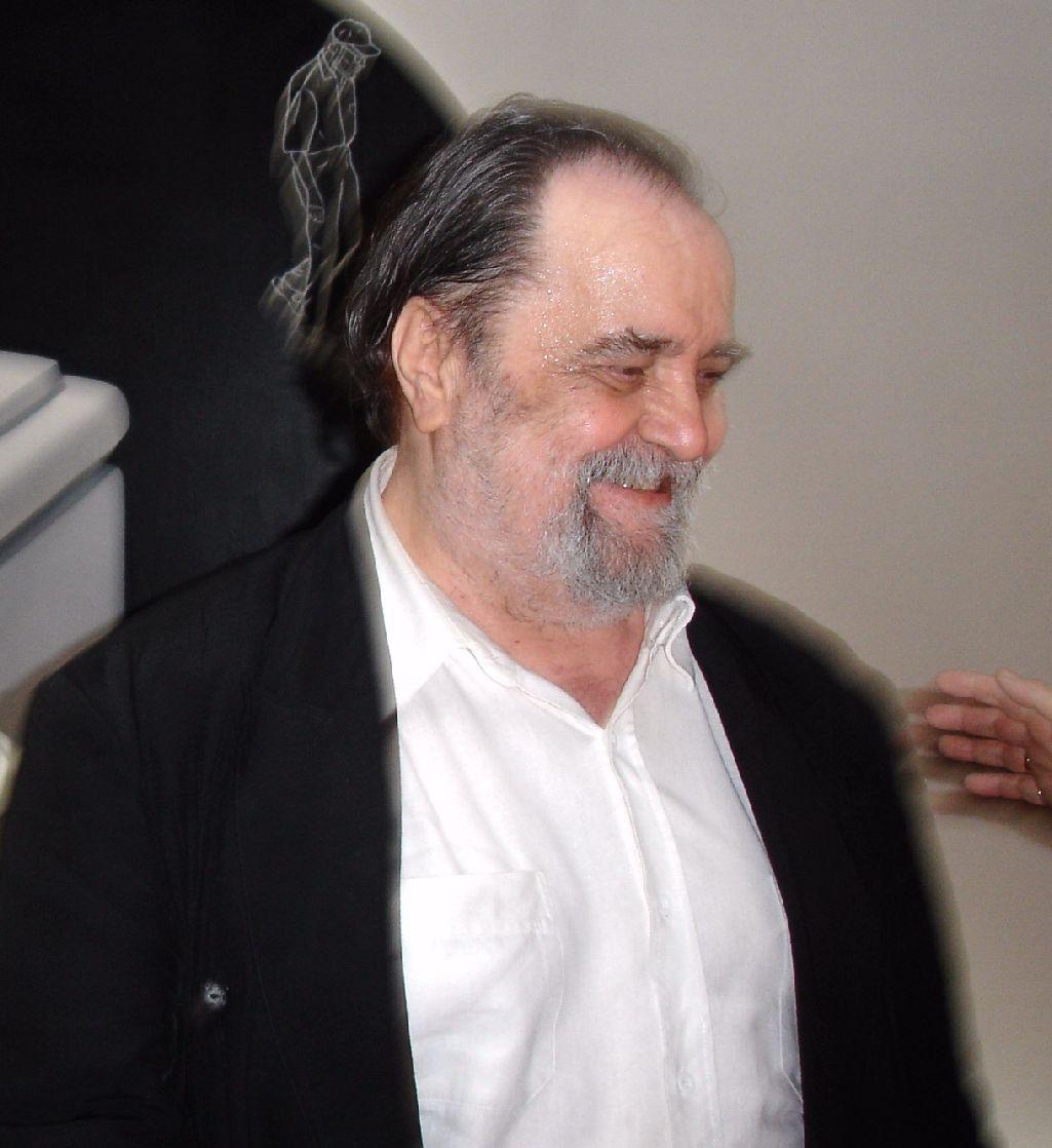 László- (56)