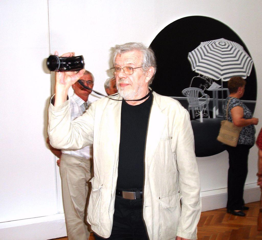 László- (89)